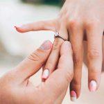 con gái đeo nhẫn cưới ở tay nào