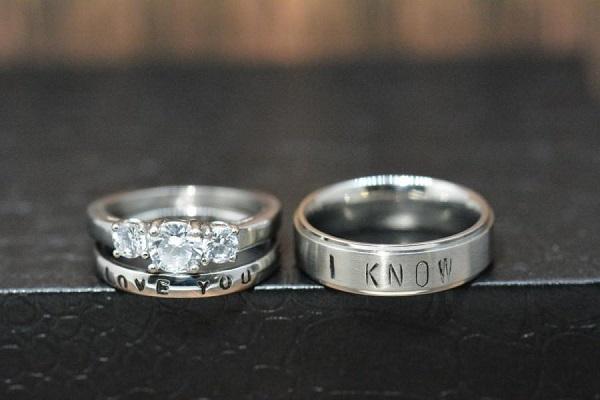 4 ý tưởng khắc nhẫn cưới hay và ý nghĩa cho cô dâu chú rể
