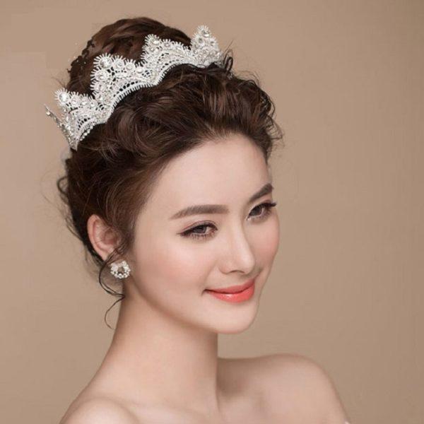Kiểu tóc cô dâu đơn giản mà đẹp ngọt ngào tinh tế