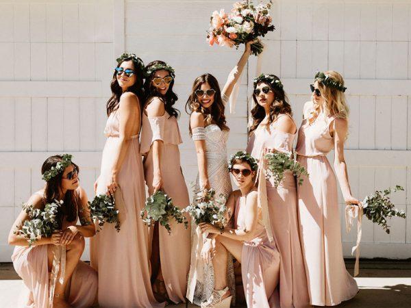 Xu hướng váy phù dâu đẹp nhất cho đám cưới mùa hè