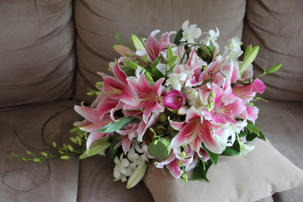 Hoa cưới hoa lily đẹp và sang trọng cho đám cưới lung linh