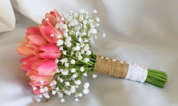 Gợi ý chọn hoa cưới cho cung Nhân Mã