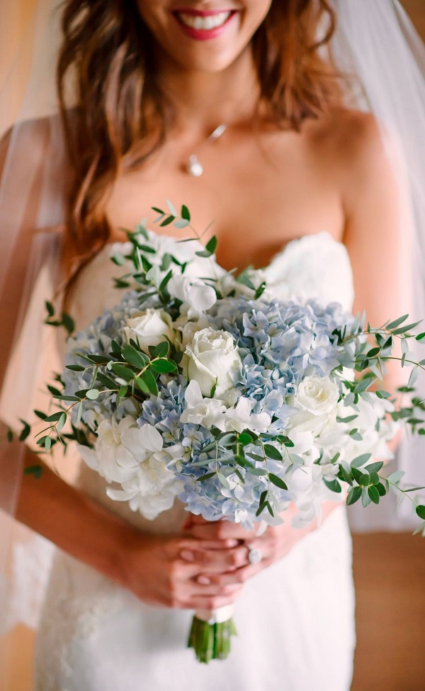 Hoa cưới cho hôn lễ tháng 6