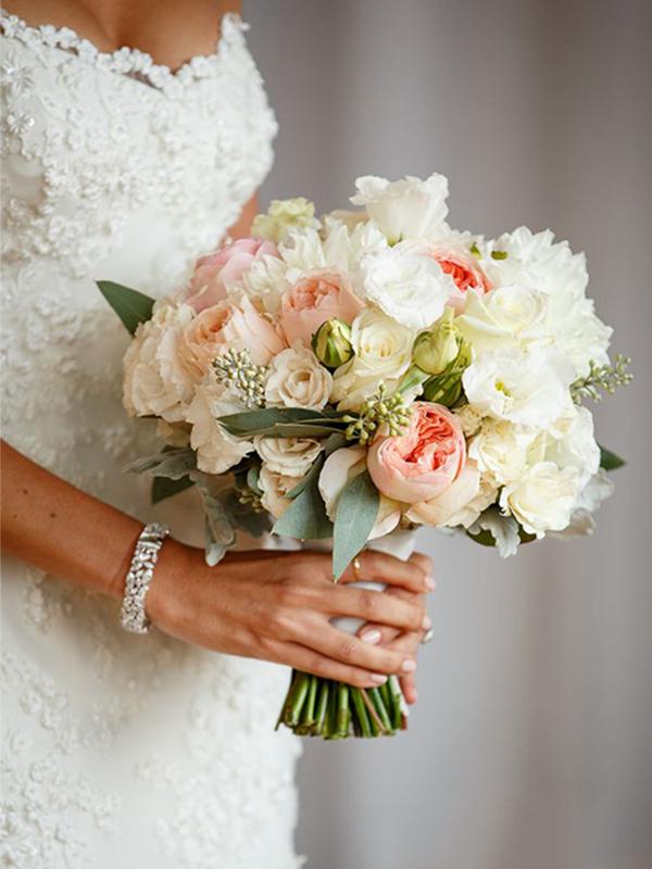 Hoa cưới hoa hồng pastel cho tiệc cưới ngọt ngào